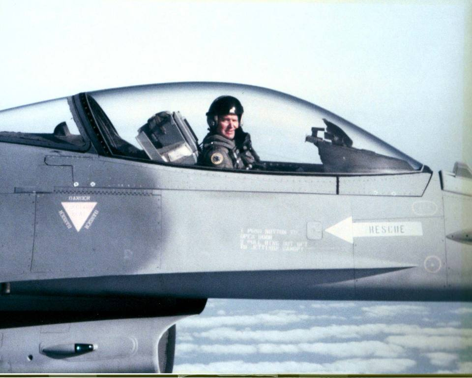Pat-Belanger-F-16